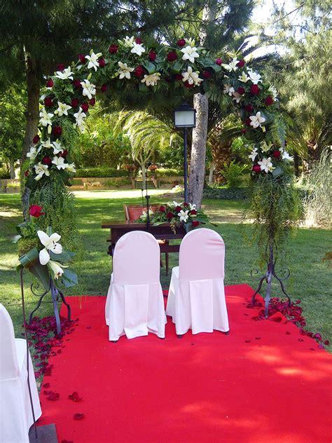 arco jardin arco floral en jardin inspiraci 243 n para tu boda pinterest