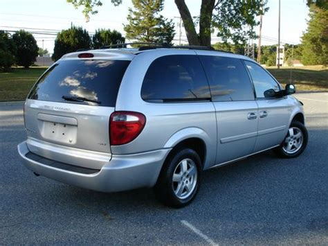 dodge caravan stow and go seats find used 2006 dodge grand caravan sxt stow n go seats