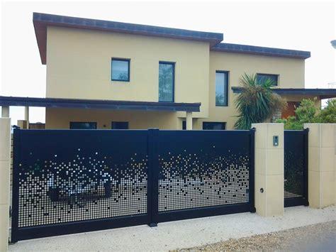 Portail De Maison Moderne by Installation D Un Portail Carbone Et Portillon Sur Une