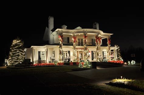 Beautifully Decorated Homes For Christmas by Beautifully Decorated House On Christmas Wallpapers And