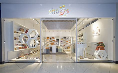 shoes ru by a d retail store design
