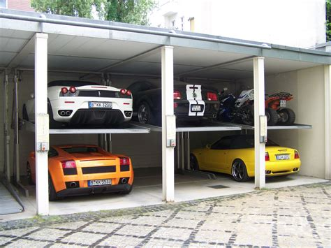 Garage Shop Layout Ideas by World S Most Beautiful Garages Amp Exotics 100 Pics