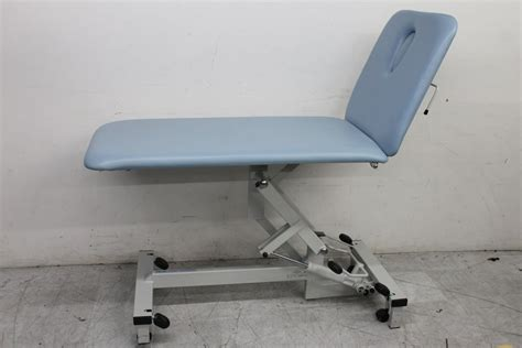 hydraulic massage couch plinth 2000 502 2 section hydraulic couch massage