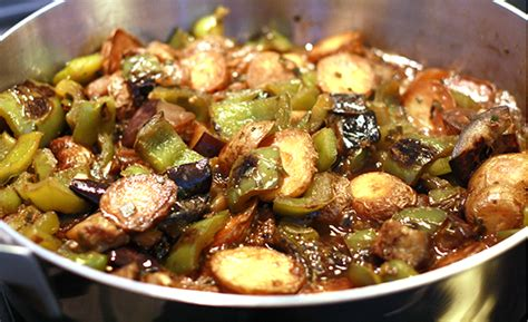 cuisiner des aubergines à la poele l aubergine savoureuse et pas grasse darty vous