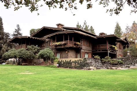 the gamble house serves as familiar setting for usc