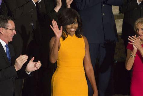 michelle obama yellow moda michelle obama sceglie ancora narciso rodriguez la