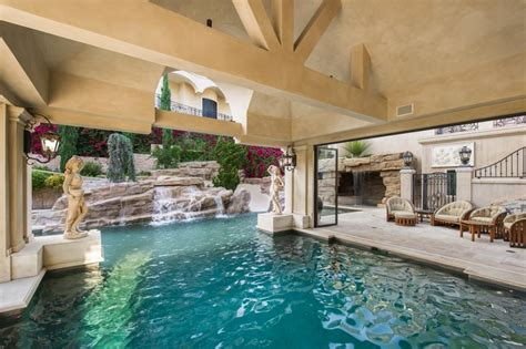 Backyard Los Angeles Tour A European Style Villa With A Palatial Pool Hgtv