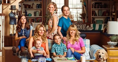 when is the new full house coming out the new fuller house teaser stars the whole family moviefone com
