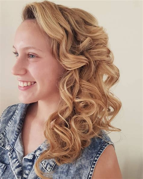Side Hairstyles For Prom by Braided Side Swept Prom Hairstyle Hairstyles For