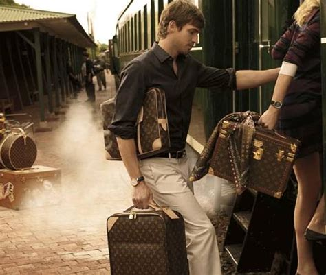 Louis Vuitton Ad by Andrew Cooper For Louis Vuitton Fall 2010 Caign