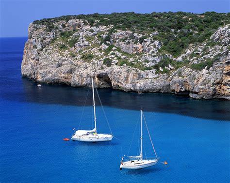 sailboat vacation charter a sailing yacht or sailboat for a sailing vacation