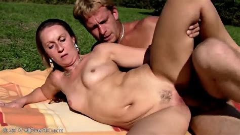 Mature Amateur Stella Has Outdoor Sex Eporner