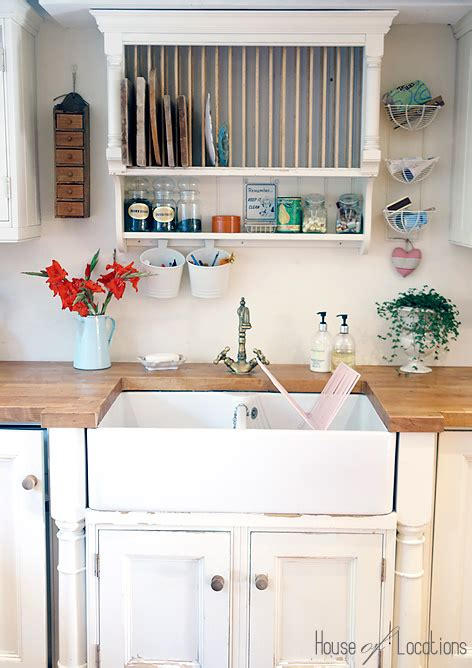 country shabby chic kitchen caroline a world of inspiration a country kitchen