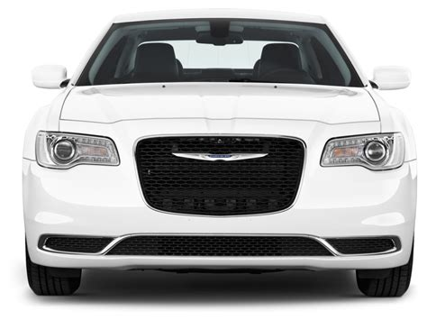 image  chrysler  limited rwd front exterior view