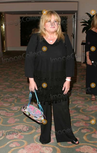 Novel The Fifth Sally photos and pictures sally struthers the 5th annual lupus la gala an evening of light