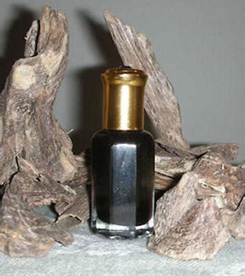 Woody Oud By Surrati Woody Arabian Oud Gaharu Kemasan Tola 3 Ml premium dehn al oud by dearmusk attar agarwood oudh