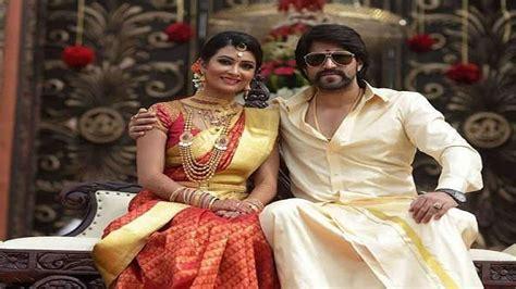 actor yash baby kannada actor yash and his wife radhika pandit welcome
