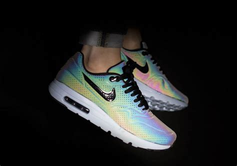 color changing shoes nike a closer look at the color changing nike air max releases