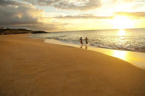 hawaiian catamaran molokai molokai island credit to hawaii tourism authority dana