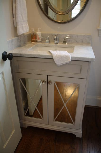 Sweet little powder   Traditional   Powder Room