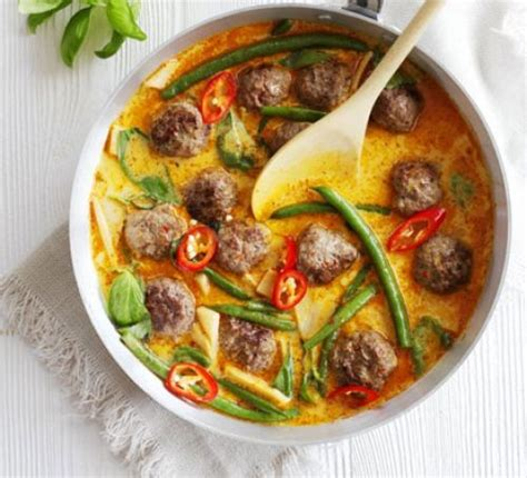 Massaman chicken curry recipe bbc goodfood forumfinder Image collections