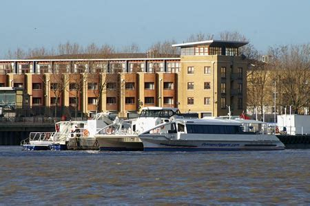 thames moon clipper sun clipper thames clippers river thames london
