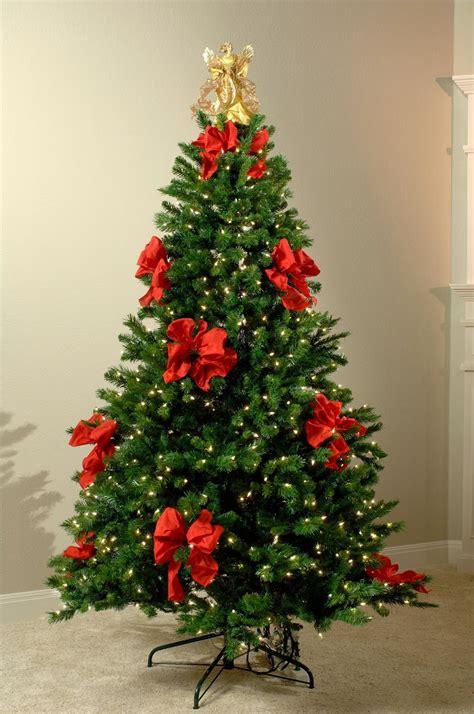 muyameno com arboles de navidad decorados con cintas