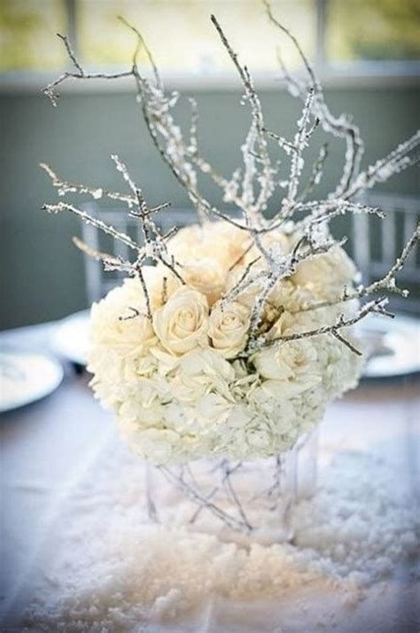 winter wedding floral arrangement ideas