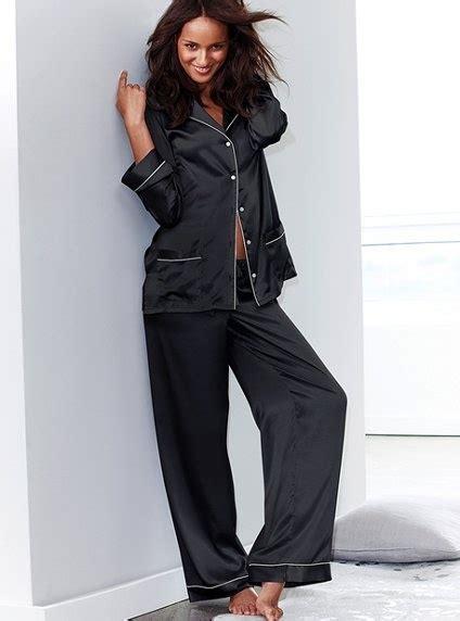 pajamas satin black satin pajamas and black it quite possibly me