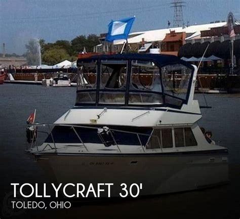 boat brokers toledo ohio sold tollycraft 30 sport cruiser boat in toledo oh 108106