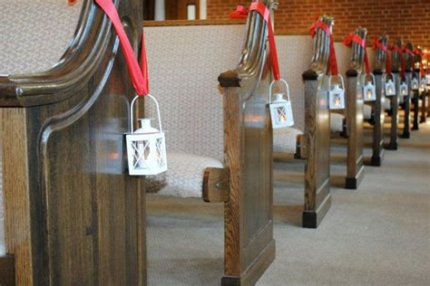 Wedding Aisle Decorations With Lanterns by Church Pew Wedding Decorations Uaing Lanterns Lanterns