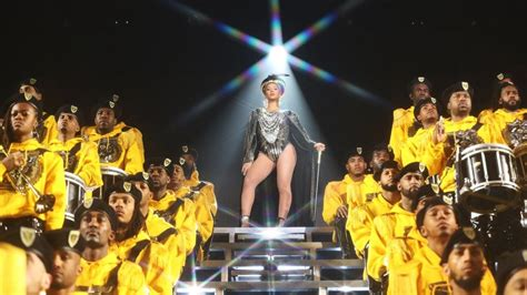beyonce announces homecoming scholars award recipients