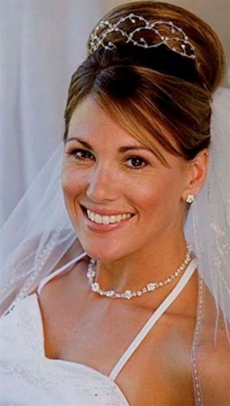 Bridal Hairstyles With Tiara by Wedding Hairstyle With Tiara