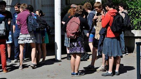 estudiantes en falditas los estudiantes franceses se ponen faldas contra el