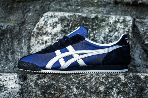 Sepatu Asics Paraty 6 bait x onitsuka tiger corsair x bruce 75th anniversary