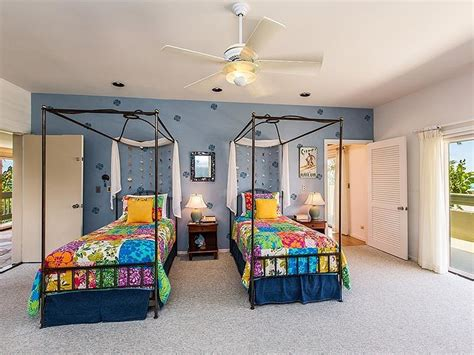 malia obama bedroom we bet sasha and malia hung out in this colorful bedroom obama s 10 5 million