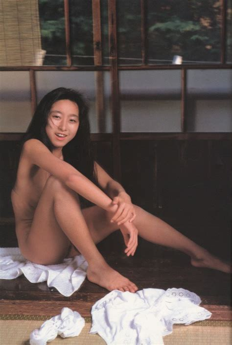 Mizuki Yamazoe Office Girls Wallpaper