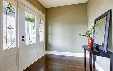 idee per illuminare casa per illuminare la casa bastano gli specchi helpling