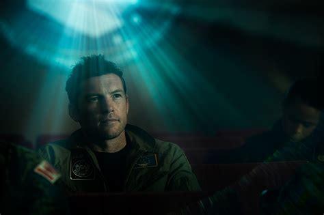 sam worthington titan movie here s the first trailer for netflix thriller the titan gww