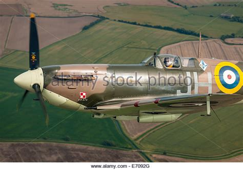 Vb Vicker vickers supermarine spitfire mk vb stock photos vickers supermarine spitfire mk vb stock