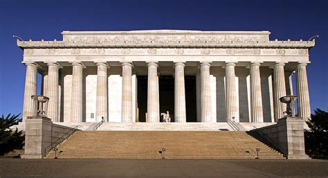 When was the lincoln memorial dedicated the enchanted manor