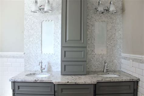 kraftmaid bathroom cabinets an with me all about the new bathroom and my