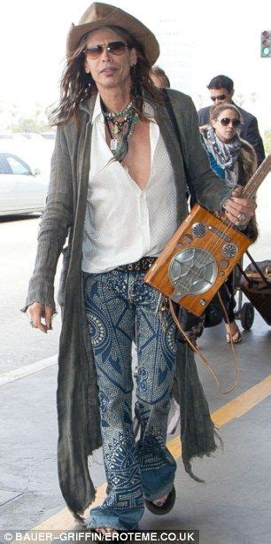 rock the boat uke crazy for his carry on steven tyler clutches his ukulele