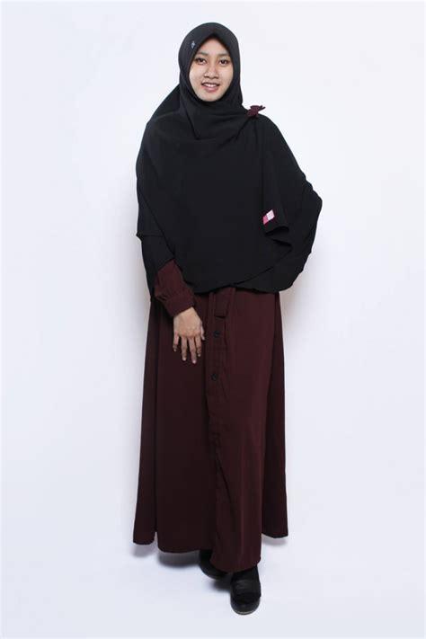 Ghaida Bergo By Uwais Light Beige gamis fathimah maroon anizah khimar gamis syar i fesya