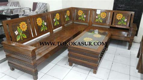 Kursi Goyang Sofa Merah Marron kursi kayu warna merah berbagai macam furnitur kayu