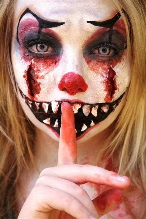 Best 25 Scary Clown Costume by 25 Clown Makeup Ideas For This Season