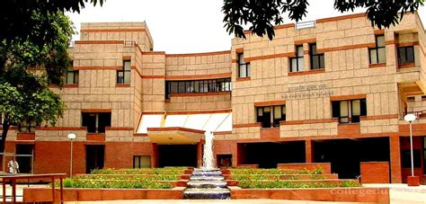Iit Executive Mba Review by Industrial And Management Engineering Iit Kanpur Ime