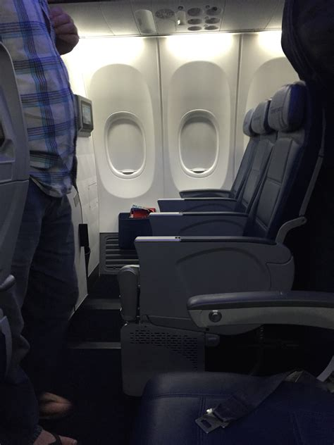 comfort seating delta 737 900er economy comfort first impressions