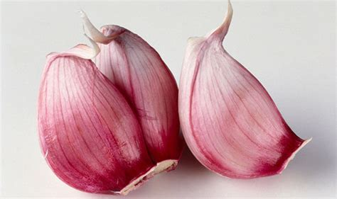 best cure for cystitis how to cure cystitis eat garlic and asparagus to