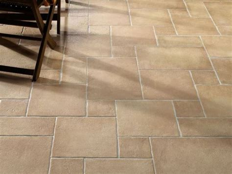 pavimento in ceramica differenze tra ceramica e gres porcellanato consigli